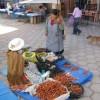 ...und auf der Strasse verkaufen sie Pepperoni...