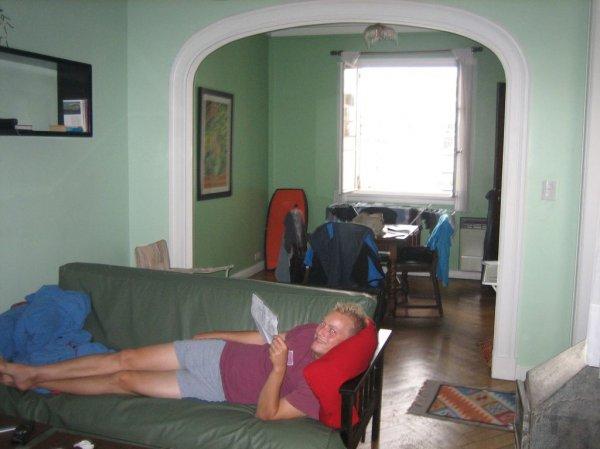 Luemmeln im Wohnzimmer