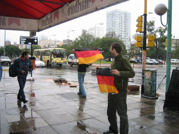 Hurra, hurra, die Deutschen sind da!