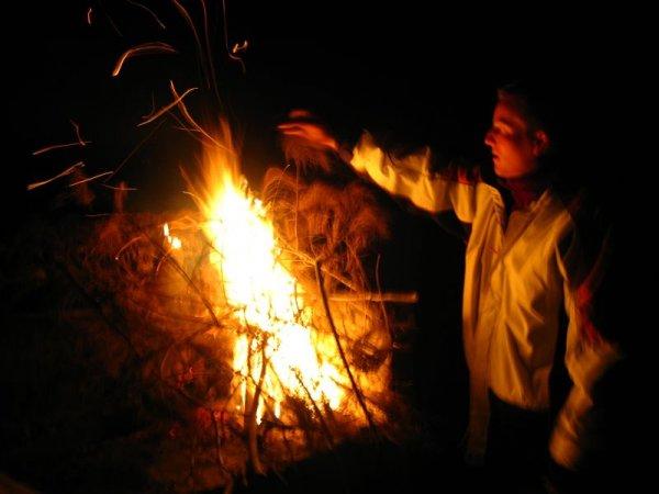 Jeden Abend die zwei Feuerteufel in Aktion