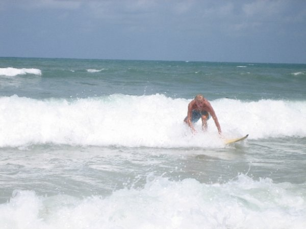 Surfing am Praia da Pipa