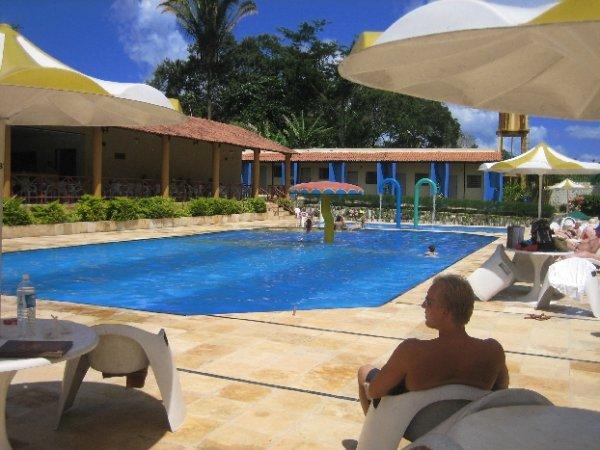 ... natuerlich mit Pool