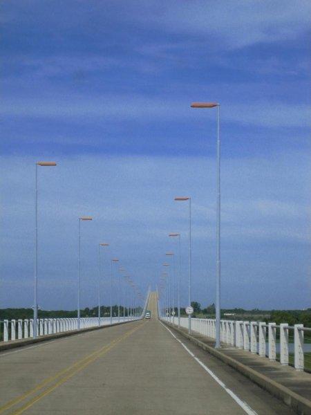 Juhu, endlich Uruguay (Grenzbruecke)