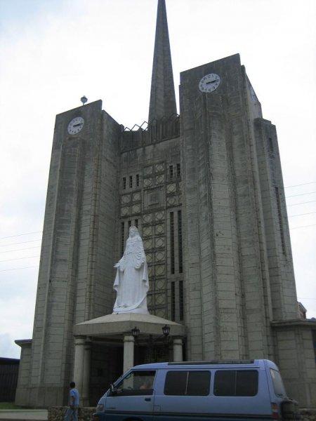 Es gibt offensichtlich auch haessliche Kirchen!