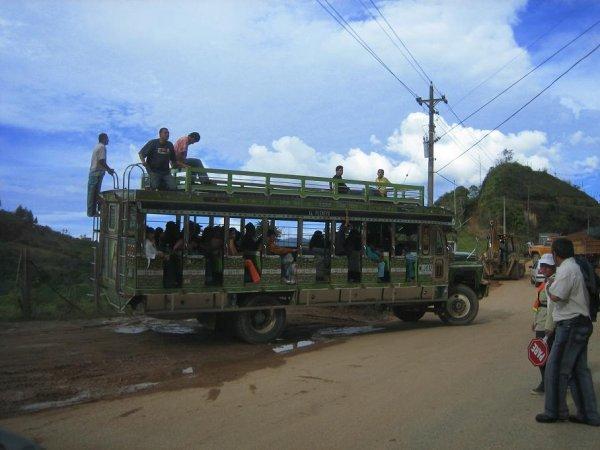 Chivas - mal Transportmittel, mal Partybus