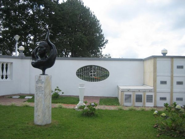 Friedhof unterm Hakenkreuz