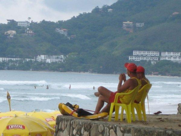 Die Aufpasser am Strand