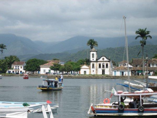 Der Hafen von Parati