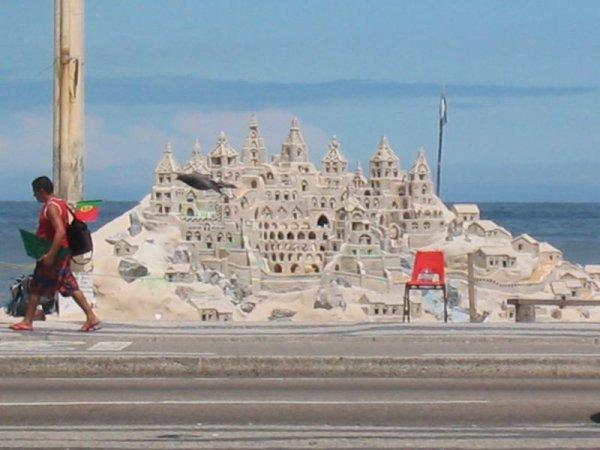 Strandburg - ein Kunstwerk!