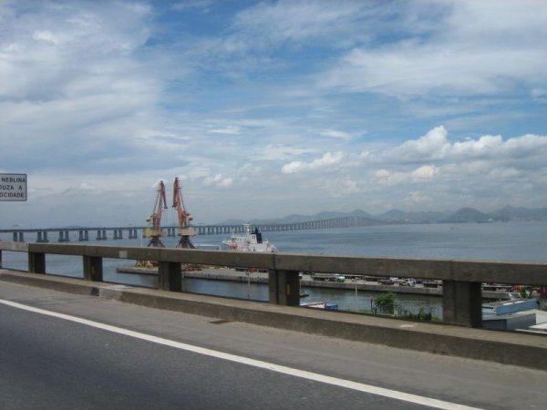Die Bruecke von Rio nach Niteroi