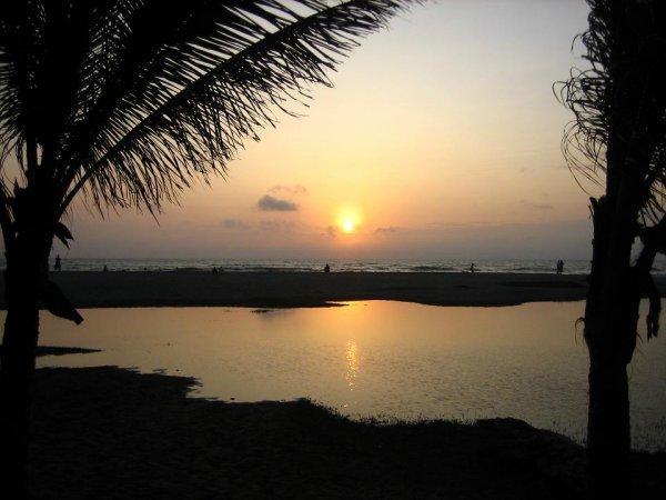 Ein seltenes Bild, Sonnenuntergang am Pazifik im Fruehjahr