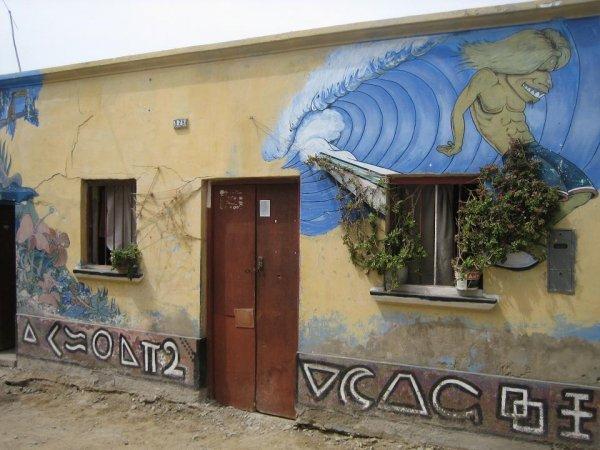 Graffiti in Huanchaco, einem Surferort