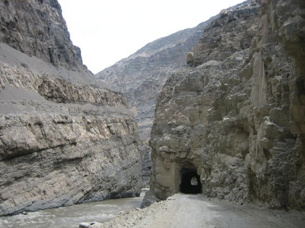 Tunnel ohne Licht Nr. 17 von ...