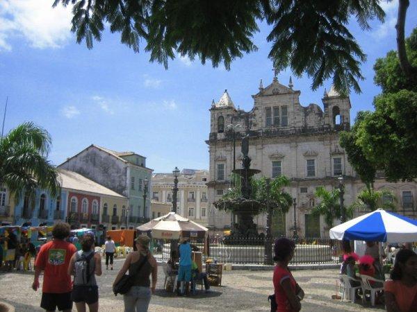 Plaza mit Brunnen