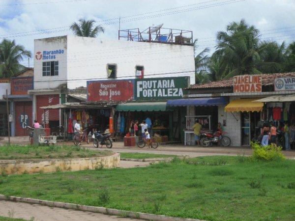 Das Ortszentrum liegt an der Bundesstrasse
