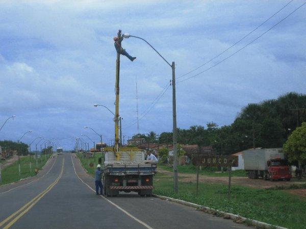 So repariert man hier die Stromleitungen