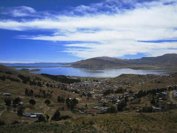 Blick auf den auf 3800m gelegenen Titicacasee