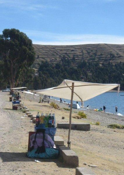 Getraenkestand am Titicacasee