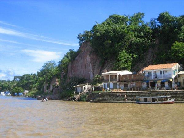 ... ein Doerfchen am Amazonas