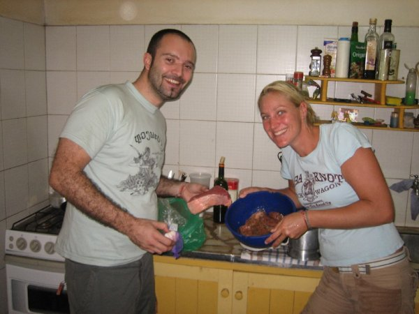 Ovi mit Melli beim kochen ...