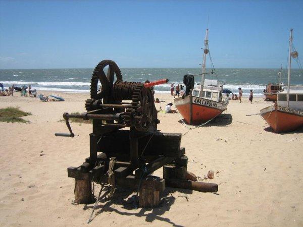 Punta del Diabolo - so zieht man die Boote an Land