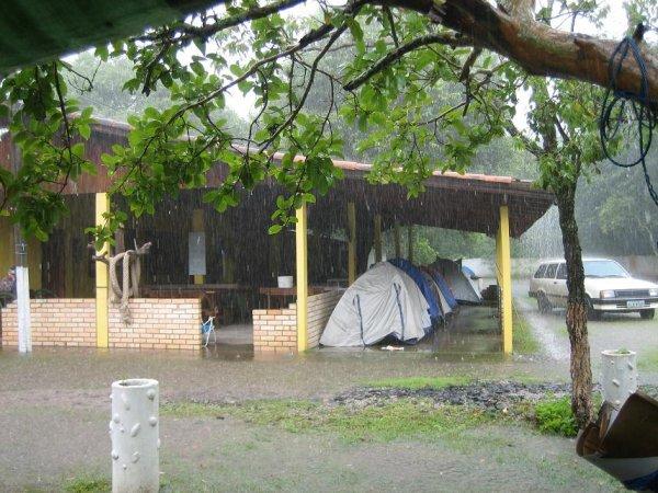 48 Stunden extremer Dauerregen! - Flucht auf den letzten trockenen Platz