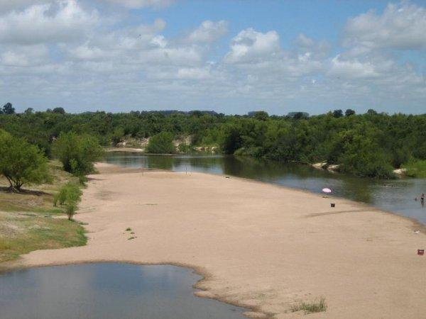 Eines der unzaehligen Flussbaeder in Uruguay