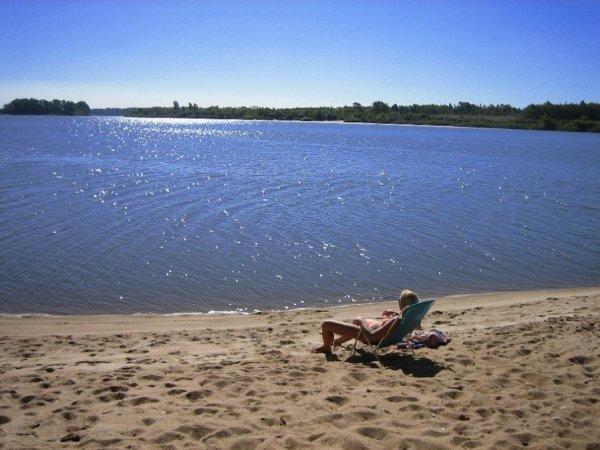 Der Badestrand vom Camping am Rio Negro