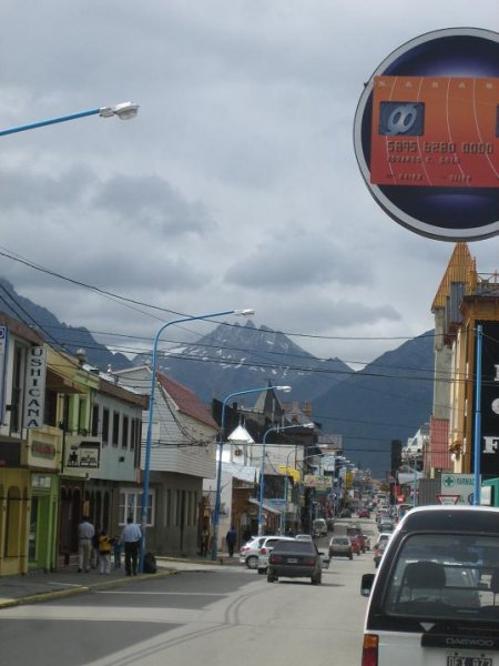 Ushuaia, am Fusse der Berge